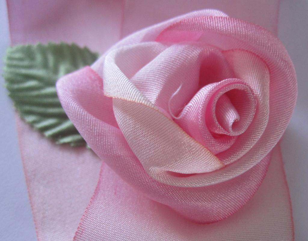 how to make a rose out of ribbon wikihow