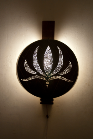 Lotus Thali Wall Lamp (Large)