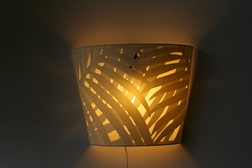 Taman Palme Wall Lamp (White)