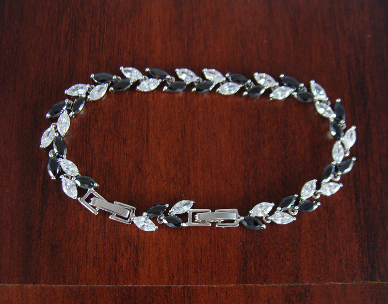 Jewelry bracelet, unique bracelet, crystal bracelet, stainless steel, unique wedding gift, bridesmaid gift, adjustable bracelet, BR31