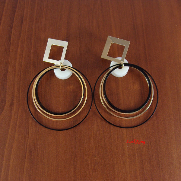 Earrings, hoop earrings, unique gifts, loop earrings, large hoop earrings, large hoops, modern earrings, simple earrings, LarkKing ER1001