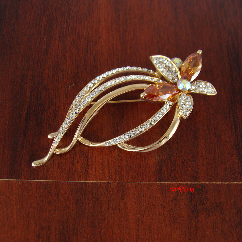 Flower brooch, fashion brooch, crystal brooch, jewelry brooch, anniversary gift, unique brooch, trending jewelry, trending brooch, BH30