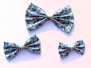 Blue border collie agility equipment bow tie