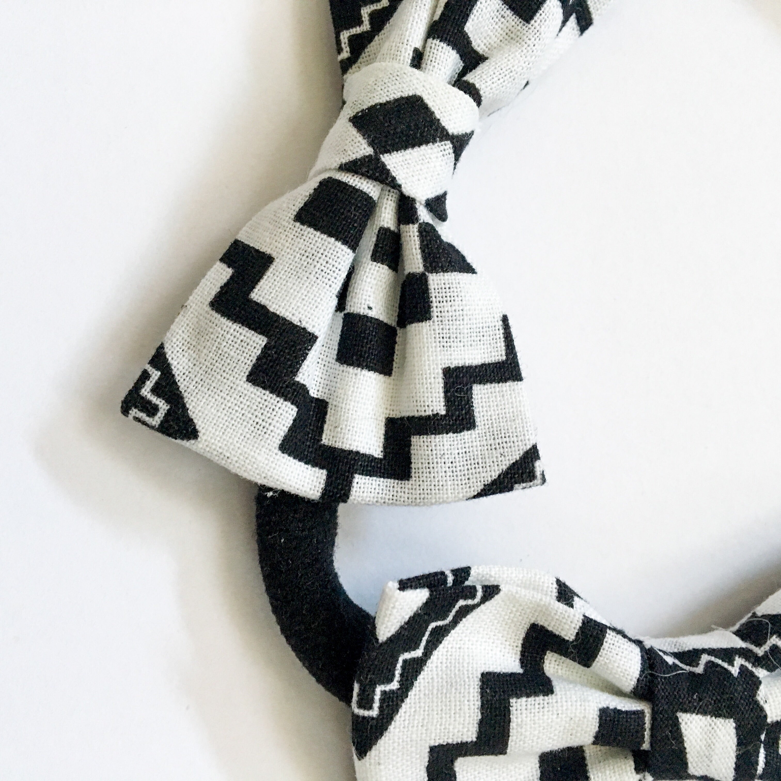 Geometric black and white double bow headband