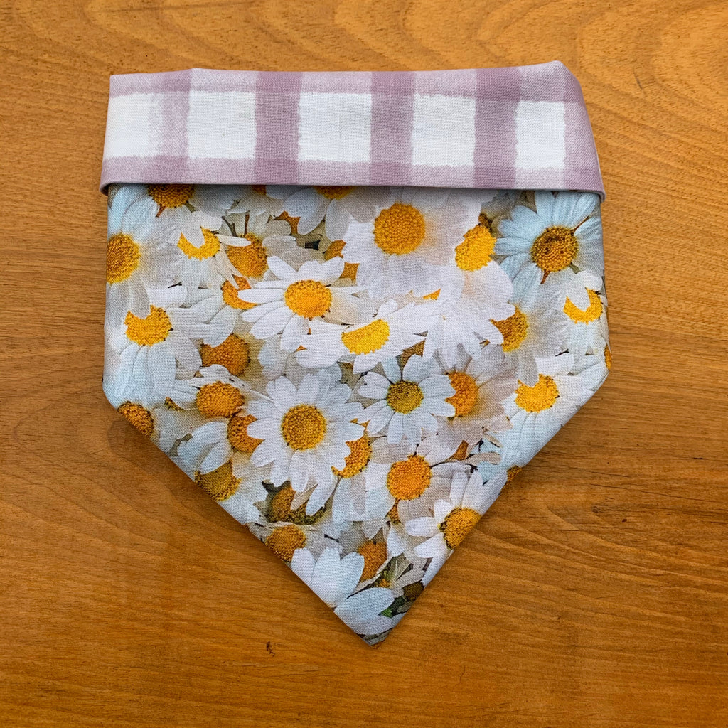 Daisies on Purple Plaid Bandana