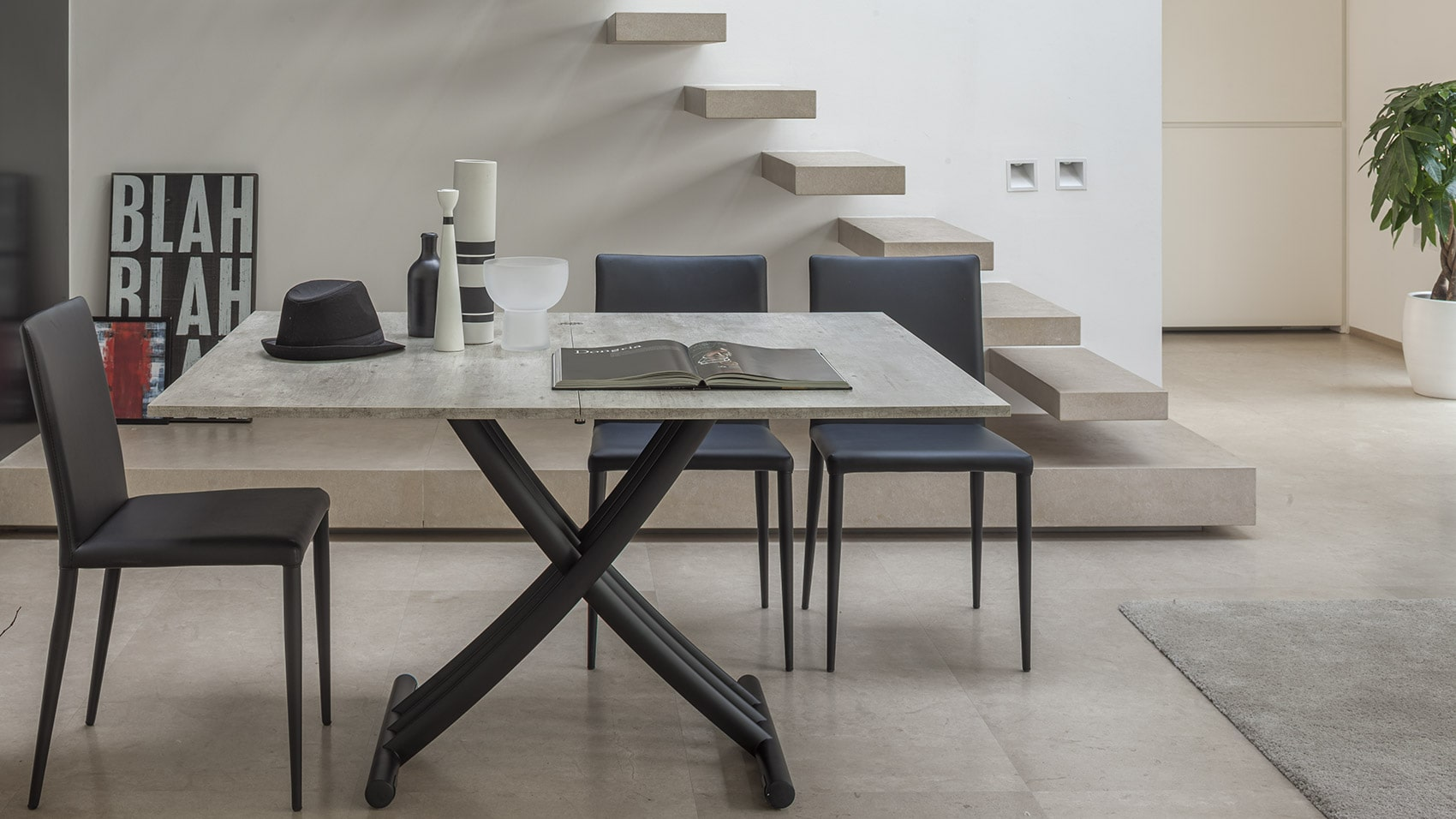 Spaceman Threefold extendable coffee dining table