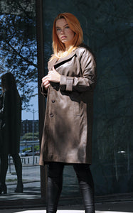 Beverly - Long Coat - Lamb Malli Leather - Women - Oak / Læder Skinds Jakke - Levinsky - Kvinde | STAMPE PELS