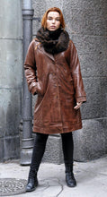 Load image into Gallery viewer, Beverly - Long Coat - Lamb Malli Leather - Woman - Dark Cognac | STAMPE PELS