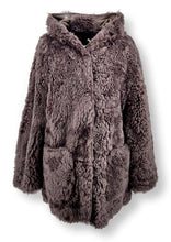 Load image into Gallery viewer, Coco, 75 cm. - Hood - Curly Lamb - Women - Dust Brown