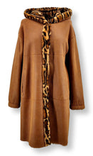 Load image into Gallery viewer, Ausron, 90 cm. - Hood - Nappa Lamb Crack - Women - Cognac