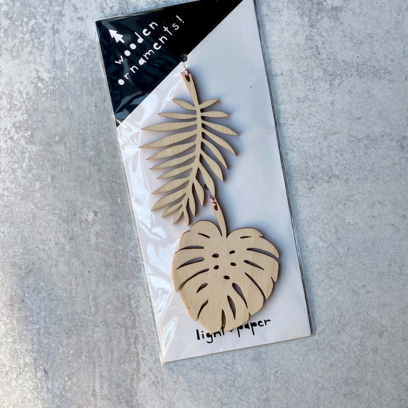 Ornaments - Monstera and Palm Leaves