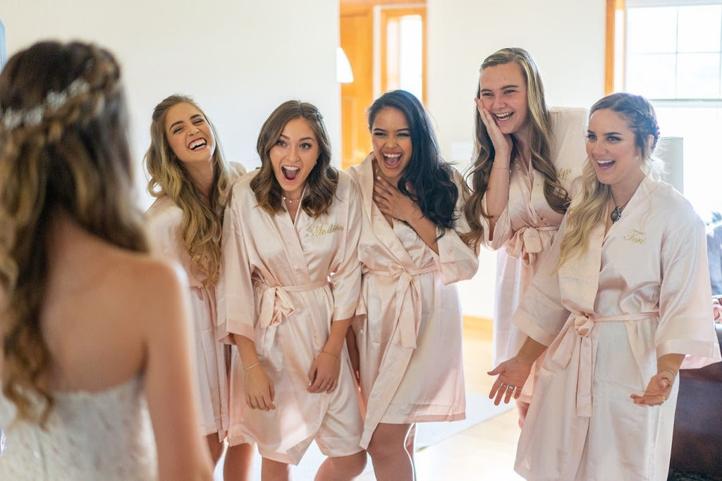 Everything You and Your Bride Tribe Need for the Perfect Wedding Morning