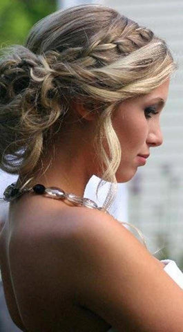 bridesmaid plaited hair