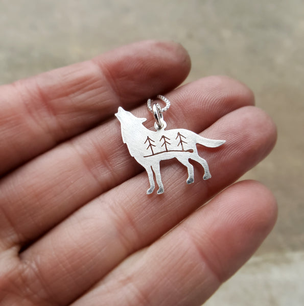 Silver Howling Wolf pendant