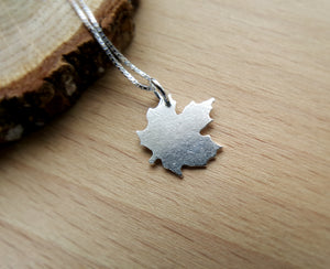 Silver Maple Leaf Pendant