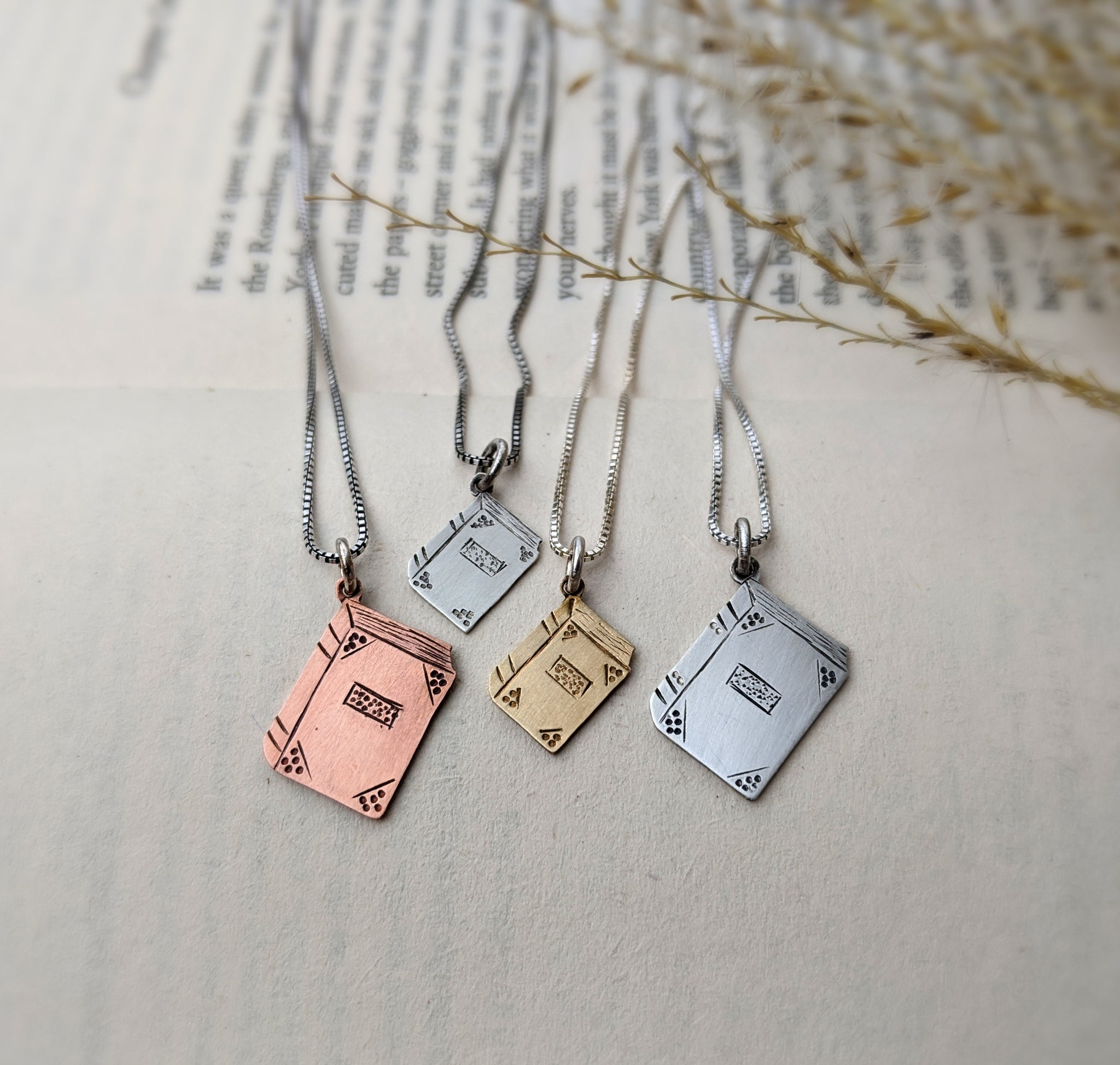 Bibliophile - Book lover necklace