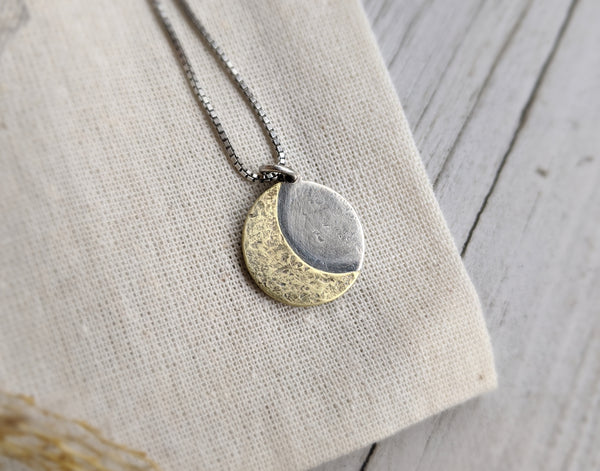 La Luna - Crescent Moon Necklace