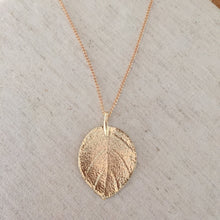 Load image into Gallery viewer, Golden Leaf Pendant Necklace