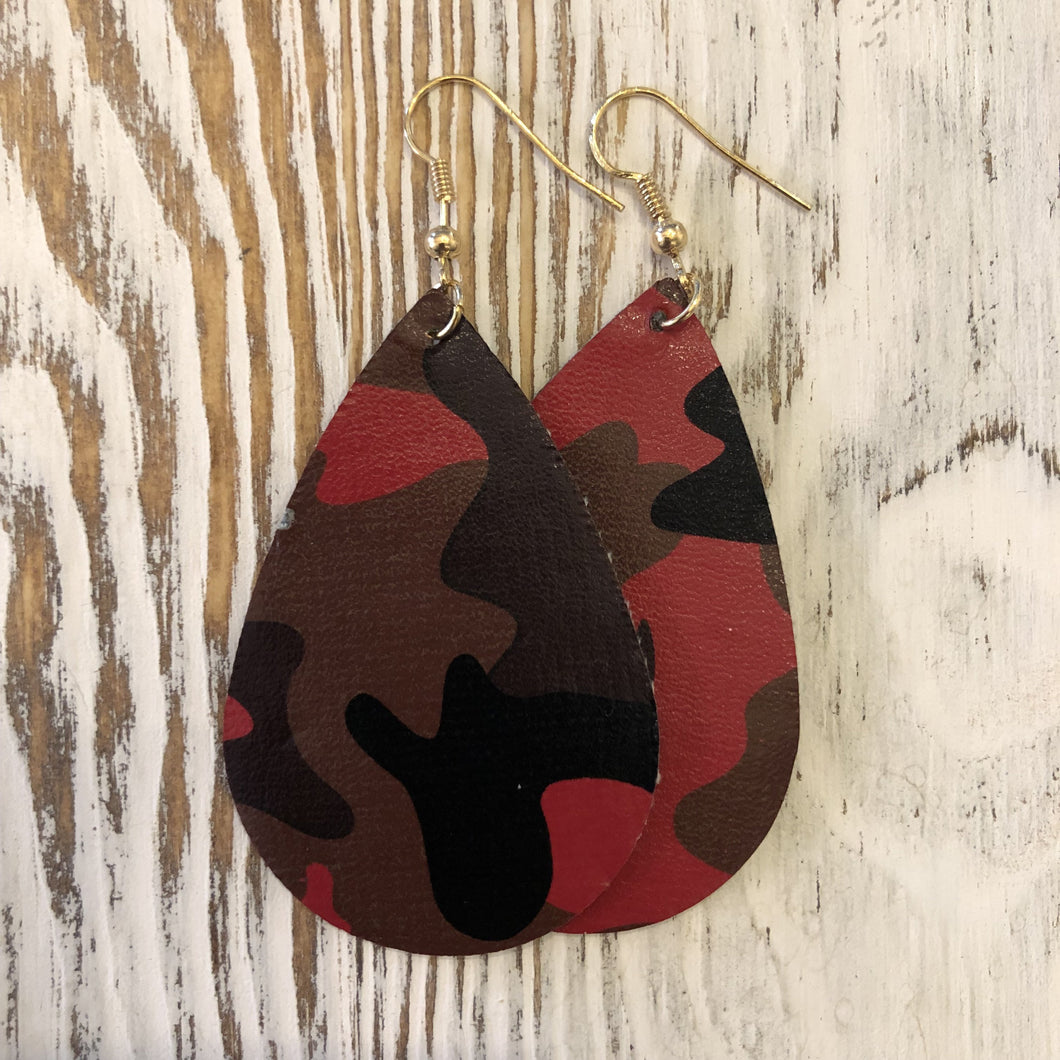 Red Camo Oval Hang Leather Earrings