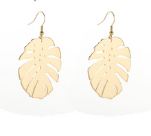 Load image into Gallery viewer, Gold Leaf Hang Earrings