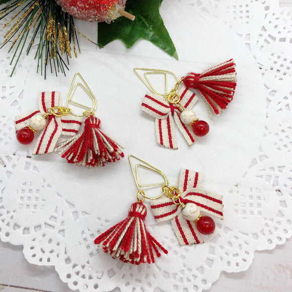 Farmhouse Christmas Stripe Bow Teardop Dangle Clip