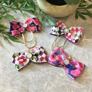 Roses on Galaxy Wide Planner Bow Clip or Charm