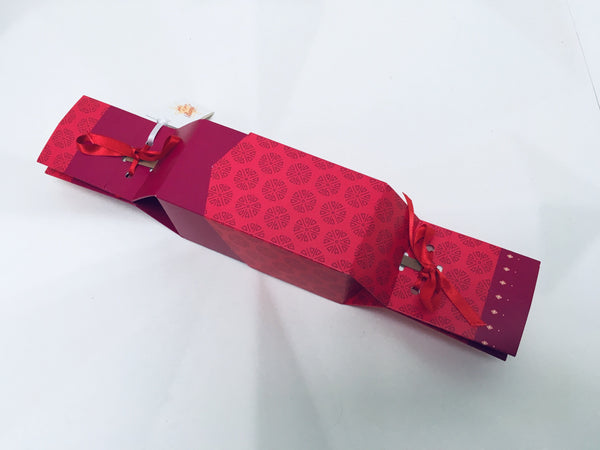 reusable cracker with travel soap gift