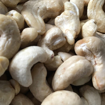 cashew nuts whole (0.5L refill)