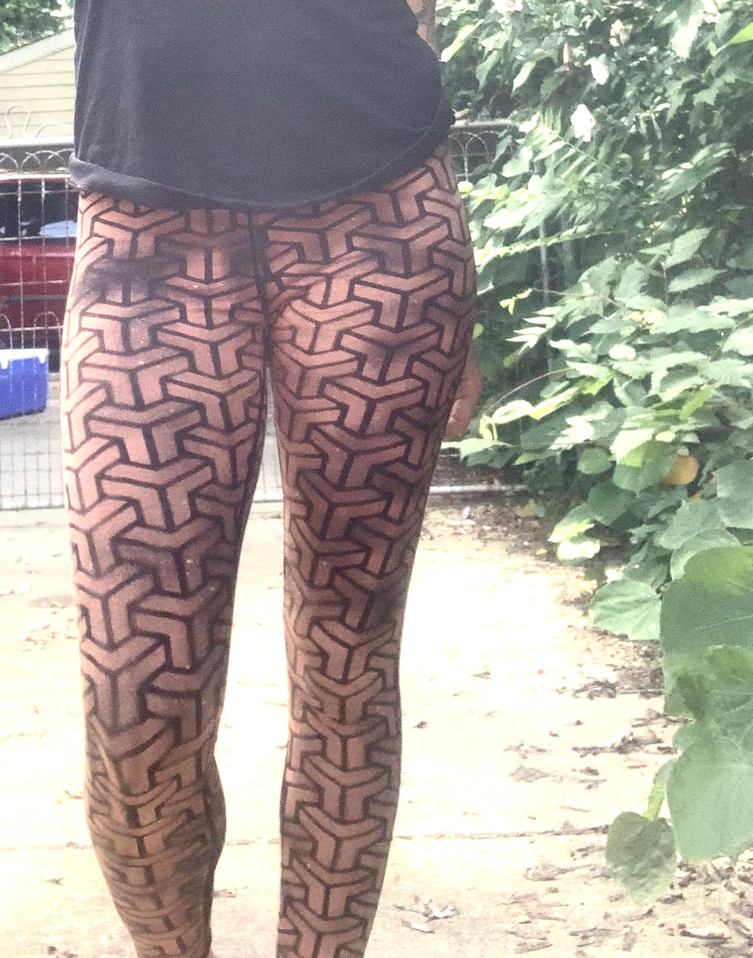 Connected Triangle Leggings