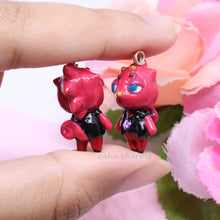 Load image into Gallery viewer, Flick Red Chameleon Charm