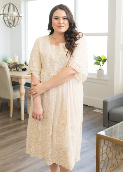 Andromeda Ivory Lace Dress in Curvy