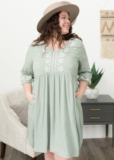 Jana Sage Embroidered Dress in Curvy