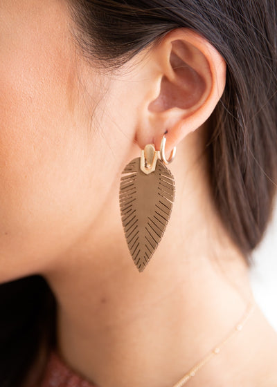 Leaf Love Brown Earrings