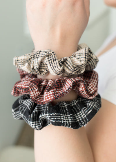 Reyna Plaid Scrunchy Set