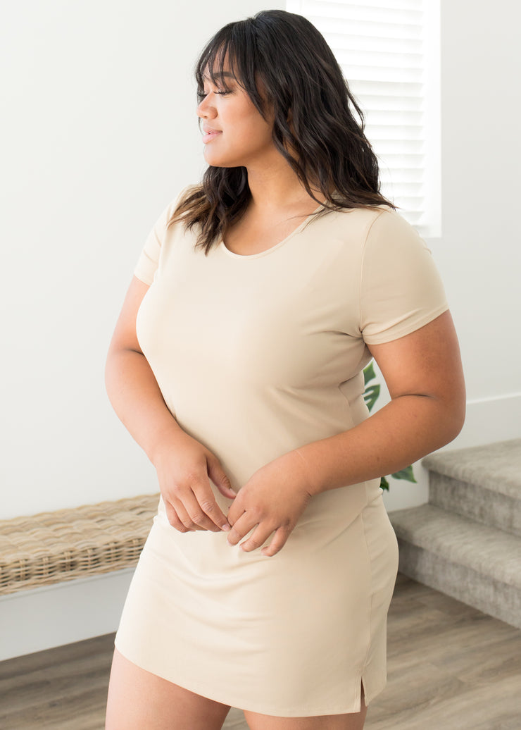 The Slipette Cap Sleeve in Curvy