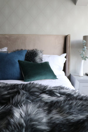 Luxury Faux Fur Throw - Alaskan Wolf