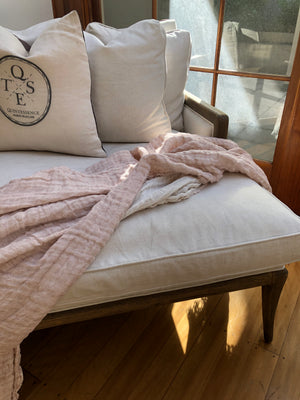 Linen Throw in Pink