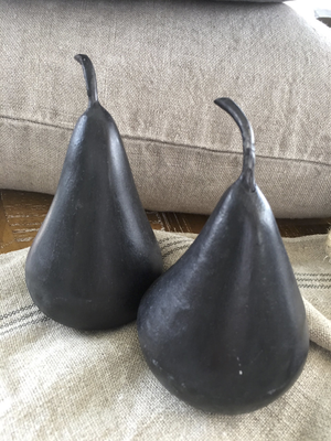 Marble Pear in Black