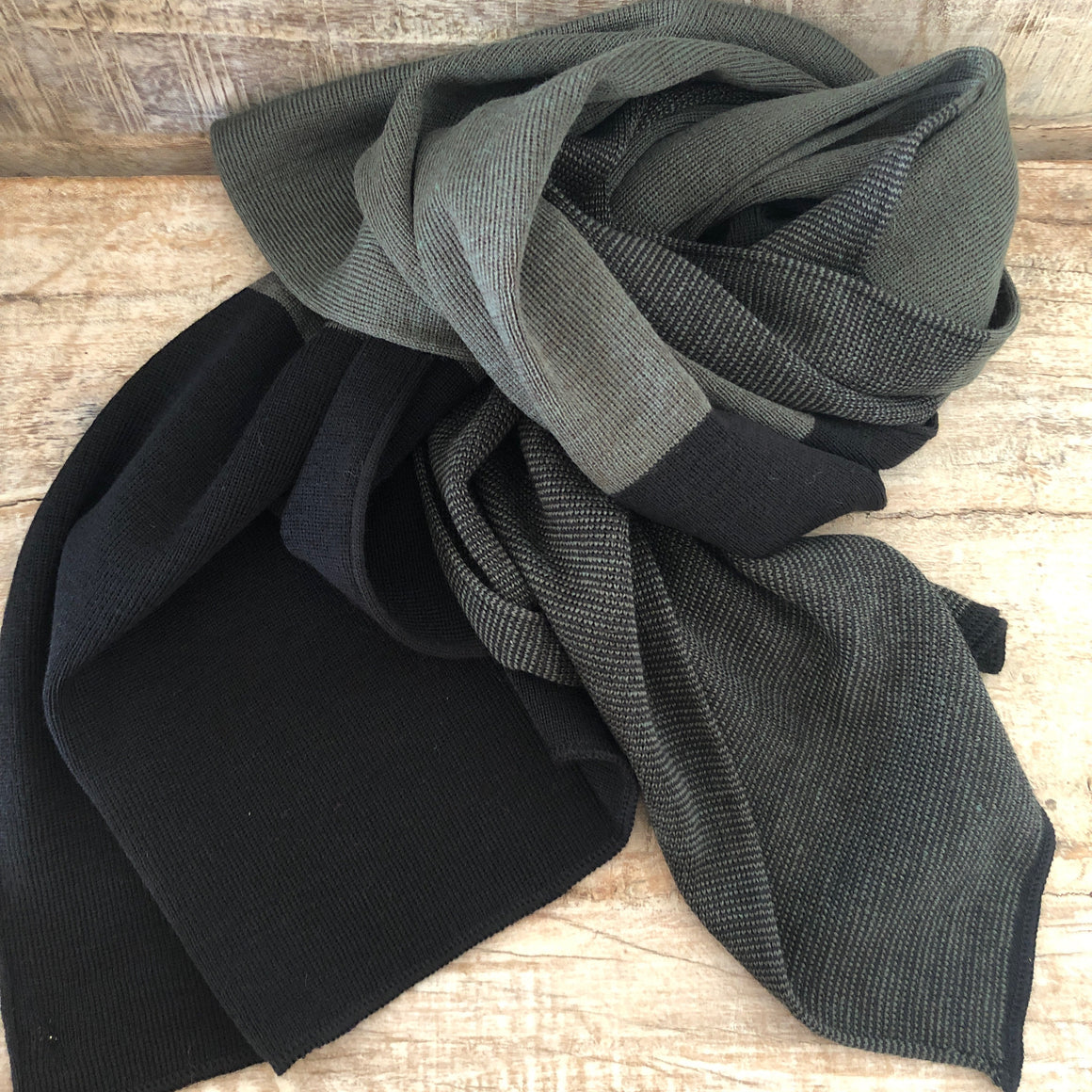 Édouard French Wool Scarf
