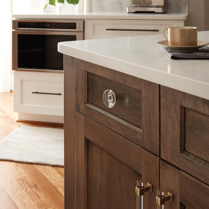 How Knobs and Pulls Can Enhance Your Kitchen