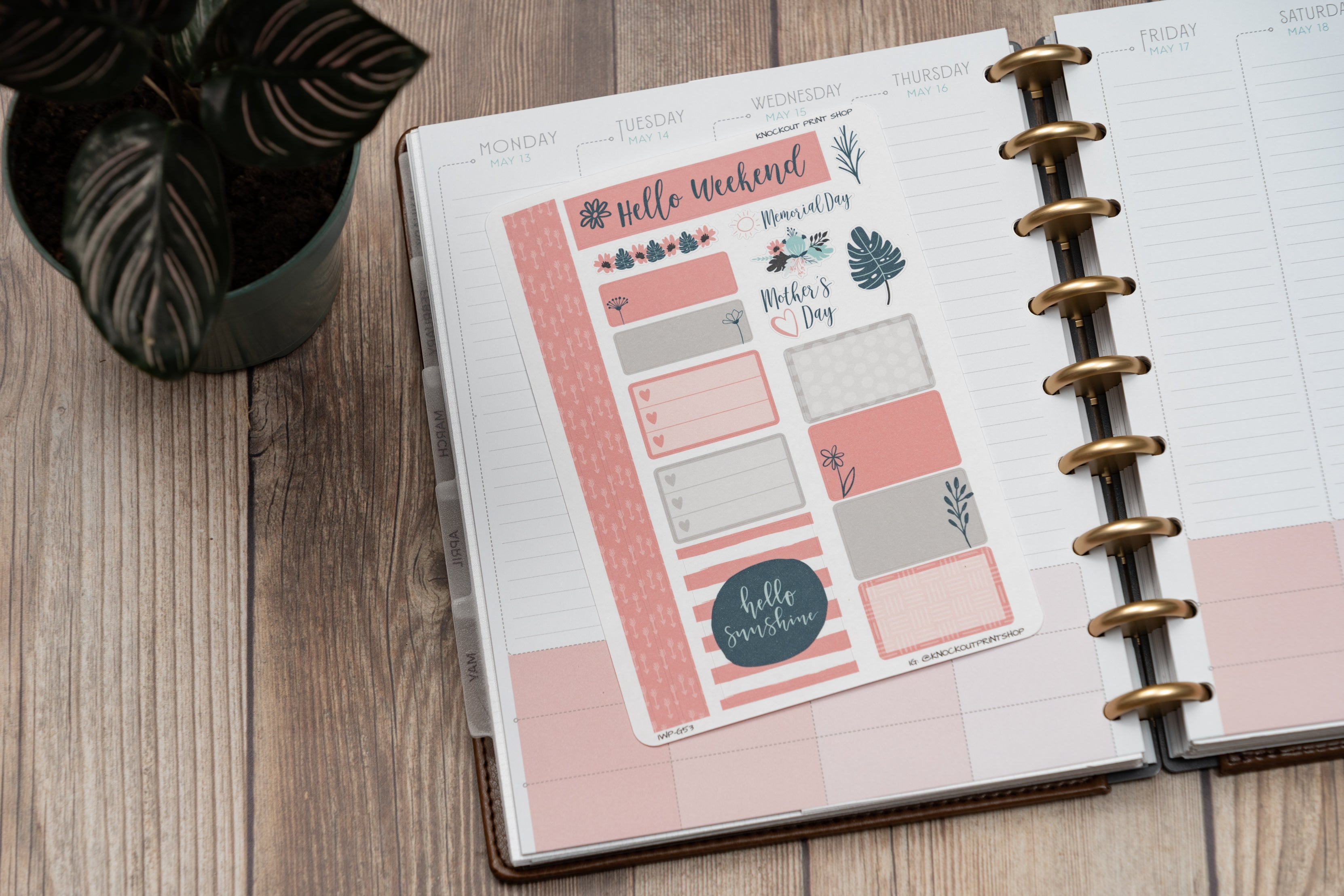 Maximize Your #Momlife Planner Spreads