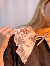 French cottage lace collar