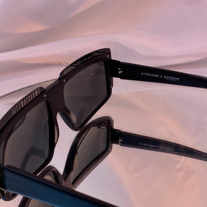 Modern flat top sunnies