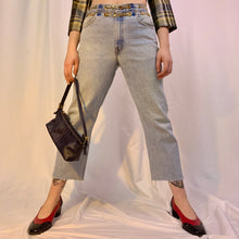 Double chain belt light wash jeans