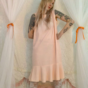 Peach ruffle hem box dress