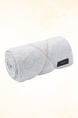 Karmameju - Fleece Blanket - Light gray