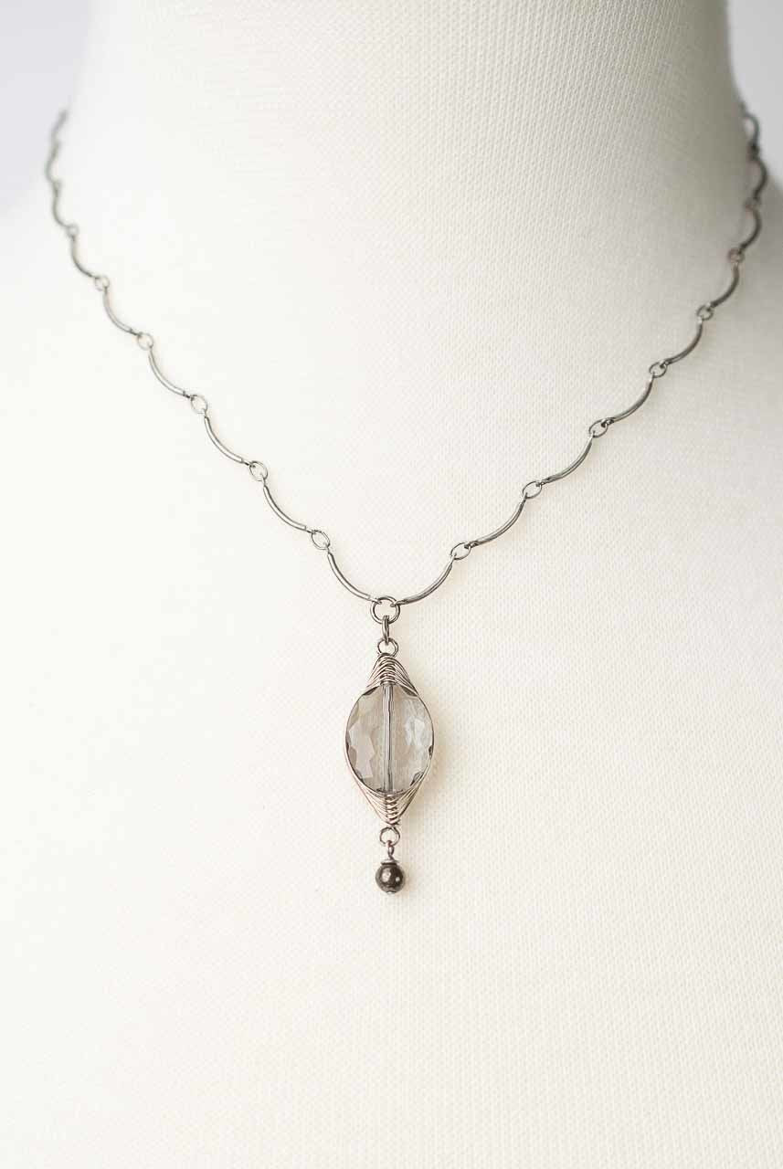 "Windsor Castle 16-18"" Simple Grey Herringbone Pendant Necklace"