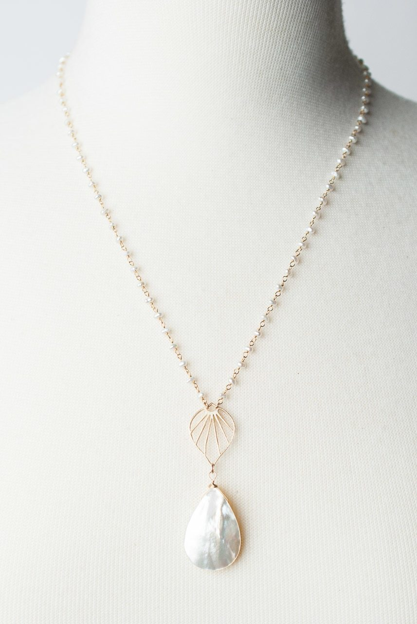 "Bliss 19.5-21.5"" Mother Of Pearl Pendant Necklace"