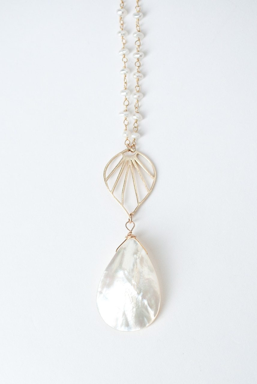 "Bliss 24.5-26.5"" Mother Of Pearl Pendant Necklace"