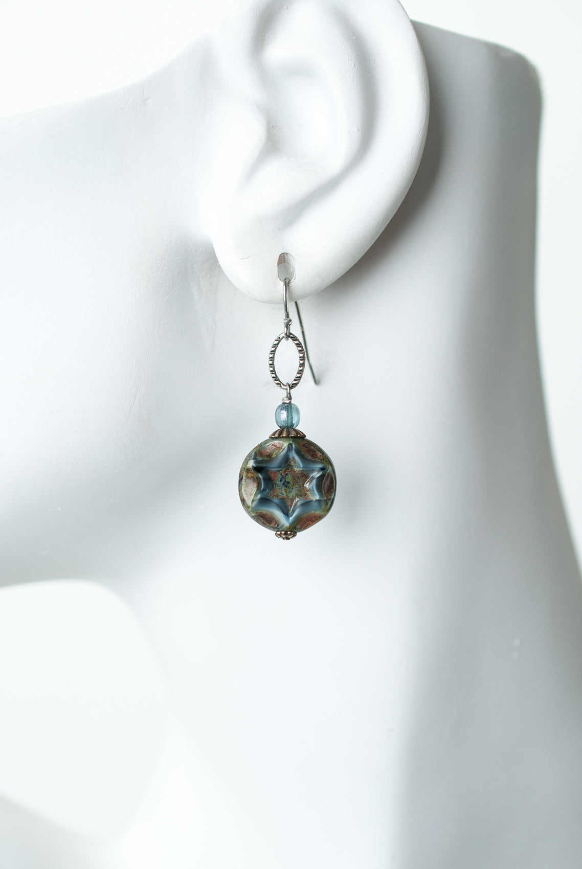 Claridad Simple Czech Glass Dangle Earrings